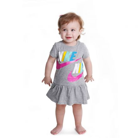 שמלת NIKE לילדות סמלים