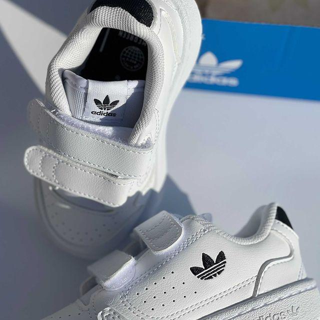 <p>הנעליים הכי קלאסיות של אדידס הם חובה במלתחה של הילדים שלכם ❤️🔥 ועכשיו זה משתתף בעד 50% הנחה על כלל האתר 🙀 #adidas #adidaskids #adidasoriginals #adidasshoes #shoes #shoeaddict #באבלס #באבלסאונליין #באבלסמותגיםלילדים</p>